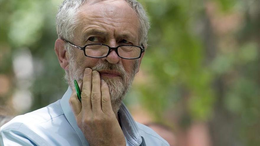 La prensa conservadora británica ataca a Corbyn tras su victoria