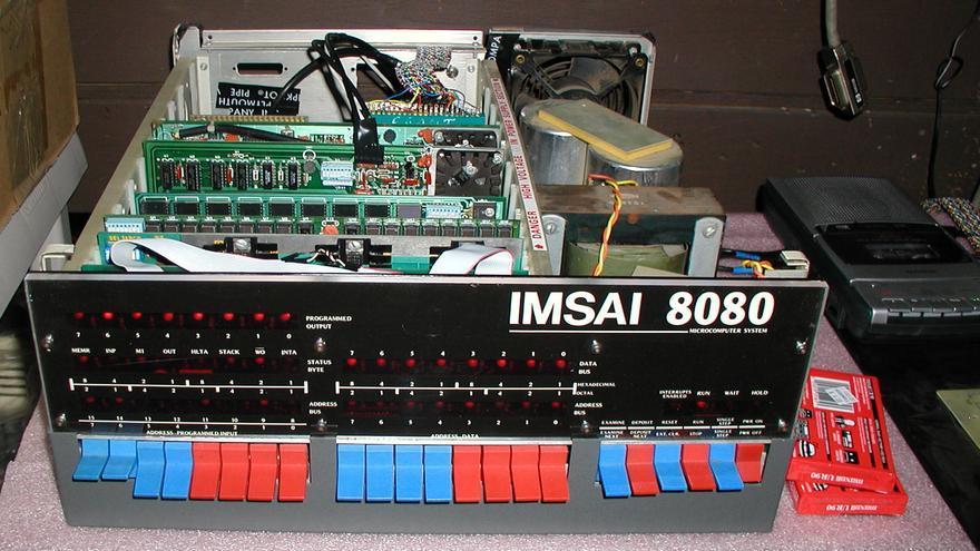 IMSAI 8080 interior.jpg