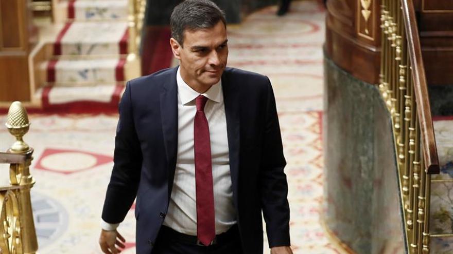 """Sánchez celebra el día de la democracia con """"transparencia y diálogo"""""""
