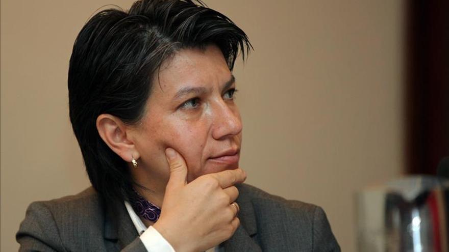 Senadores colombianos piden acciones de la comunidad internacional por Venezuela