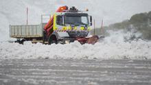 Once comunidades en alerta por viento, olas, lluvia y nieve