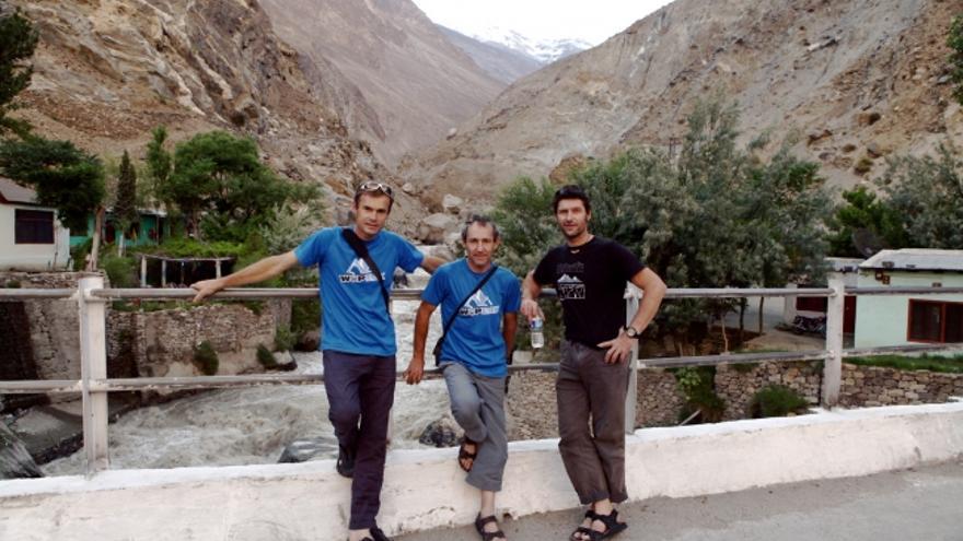 Iñurrategi, Vallejo y Zabalza. Expedición WoPeak