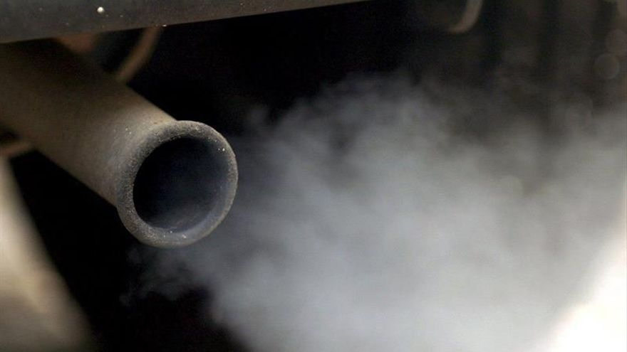 Bruselas propone reducir las emisiones de CO2 de los vehículos pesados
