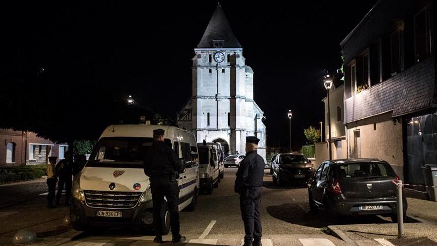 Australia condena el asesinato de un sacerdote francés por el Estado Islámico