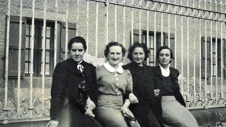 Tere Verdes, Bittori Etxeberria, Delia Lauroba e Itziar Mujika