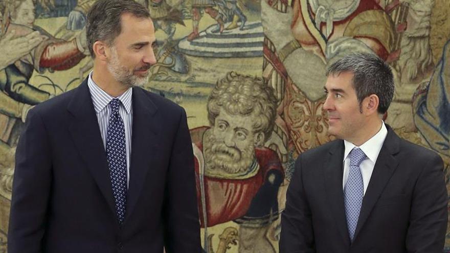 Felipe VI y Fernando Clavijo en la audiencia del Rey al presidente canario (EFE/BALLESTEROS)
