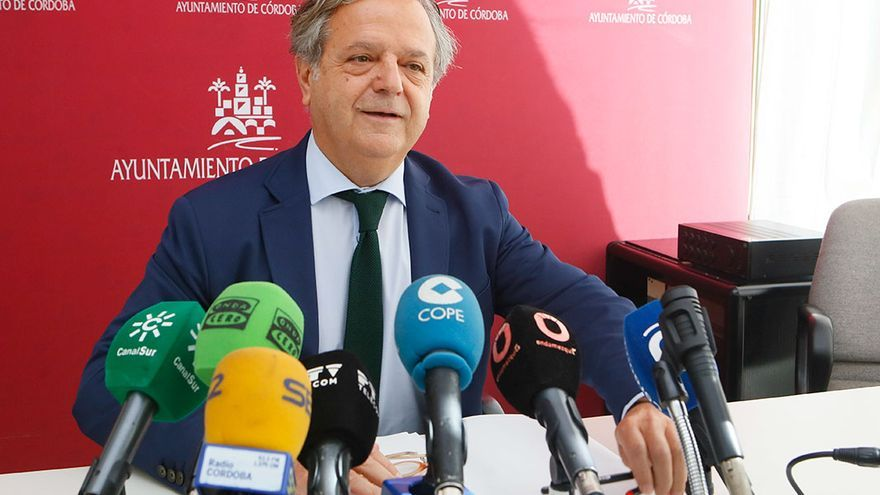 El delegado de Hacienda, Salvador Fuentes   MADERO CUBERO
