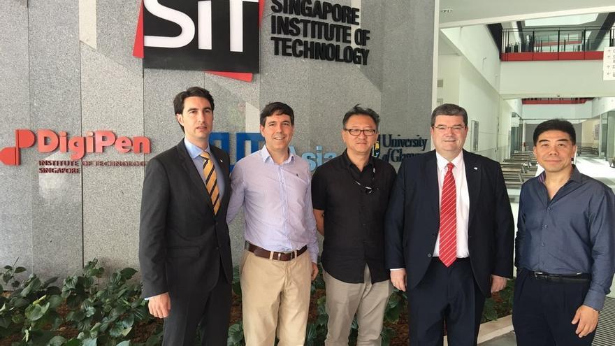 """Aburto se reúne en Singapur con empresas y mandatarios de otras ciudades """"singulares"""" como Auckland de Nueva Zelanda"""