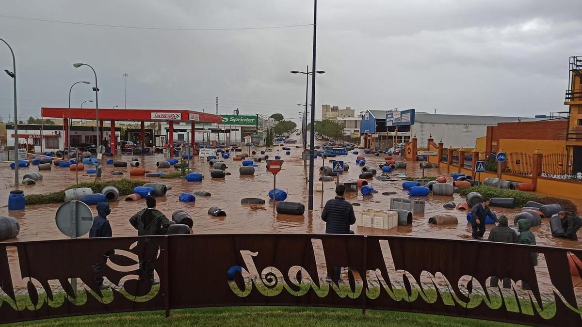 La Policía Local de Almendralejo ha recomendado a primera hora de este jueves que se eviten desplazamientos innecesarios.