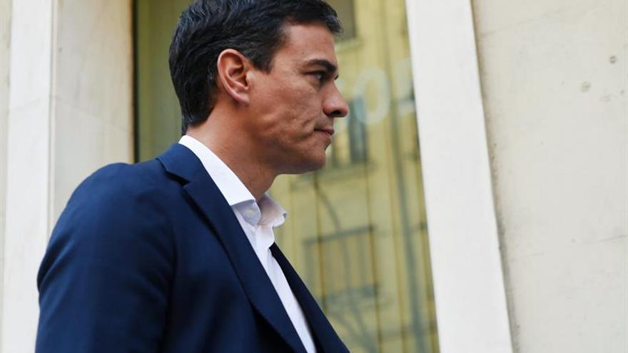 El equipo de Pedro Sánchez baraja no presentar todos los avales que recoja