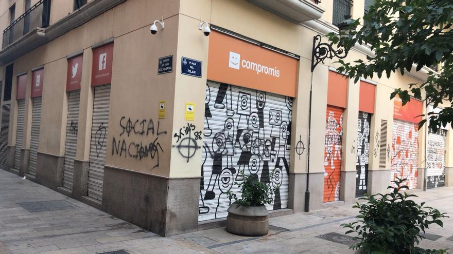 Imagen del estado en el que ha aparecido la sede de Compromís en València