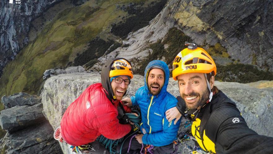 Felicidad en la cumbre de 'Zerain' (© Hermanos Pou).