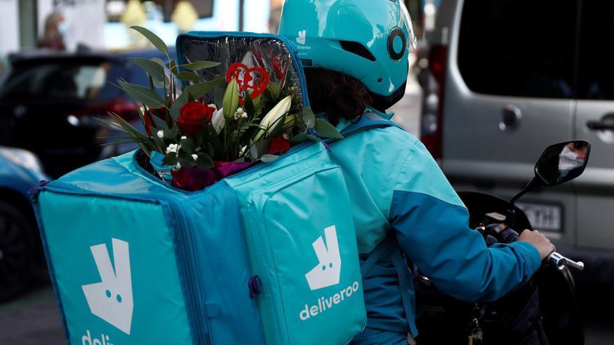Deliveroo fija el precio de OPV en Londres en el nivel más bajo de horquilla