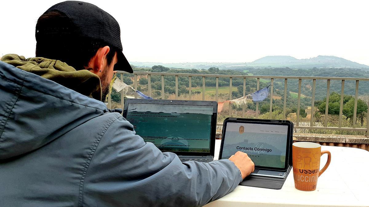Pablo Franco Bescós decidió dar un giro a su vida personal y profesional y emprender en Sabayés (Huesca)