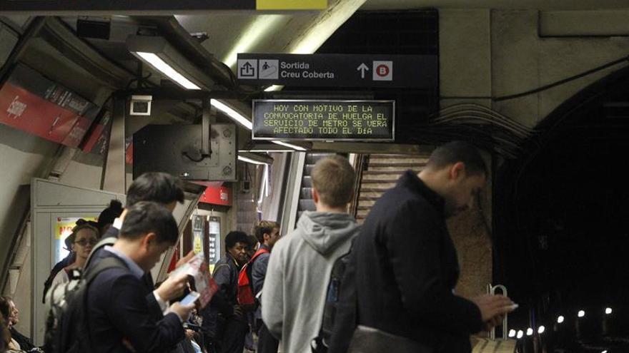 La duodécima jornada de huelga en Metro arranca con un 29 % menos de usuarios