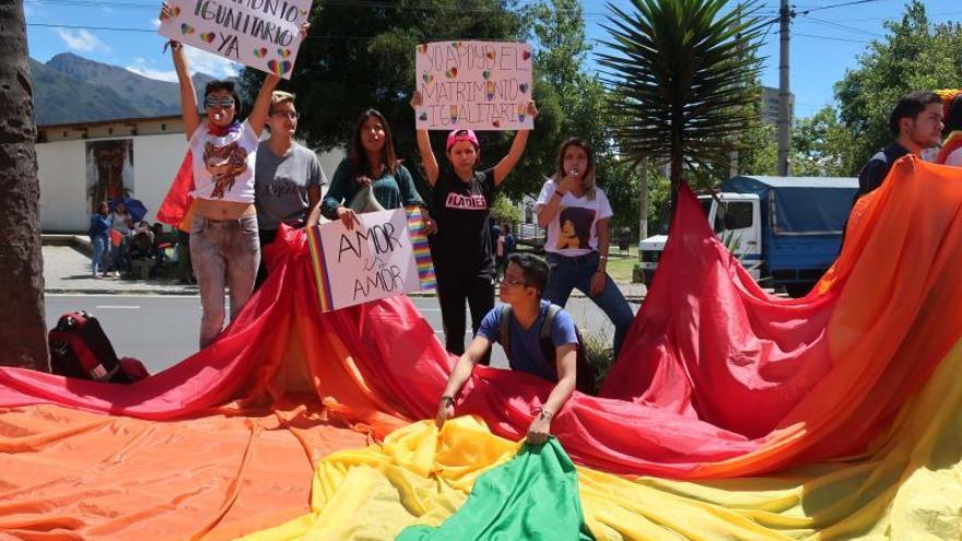 Piden la nulidad del fallo que abrió la puerta al matrimonio igualitario en Ecuador