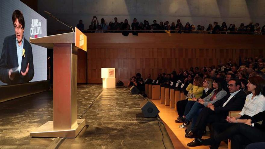 """Puigdemont dice que deberá """"volver"""" si el 155 es rechazado en las urnas"""