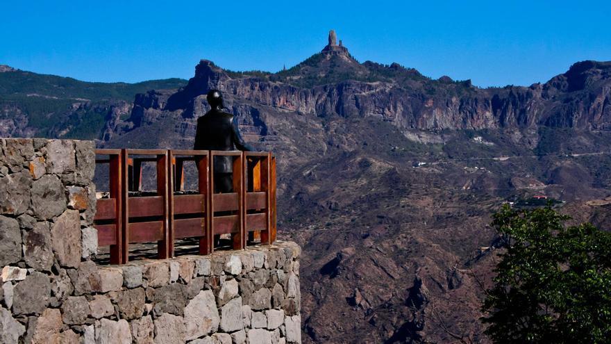 Mirador de Unamuno, en Artenara, frente al Roque Nublo (Gran Canaria). VIAJAR AHORA