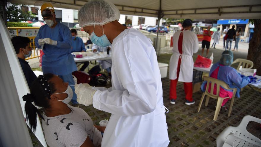 Colombia reporta 2.141 casos nuevos de covid-19 y llega a 4.903.304 contagios
