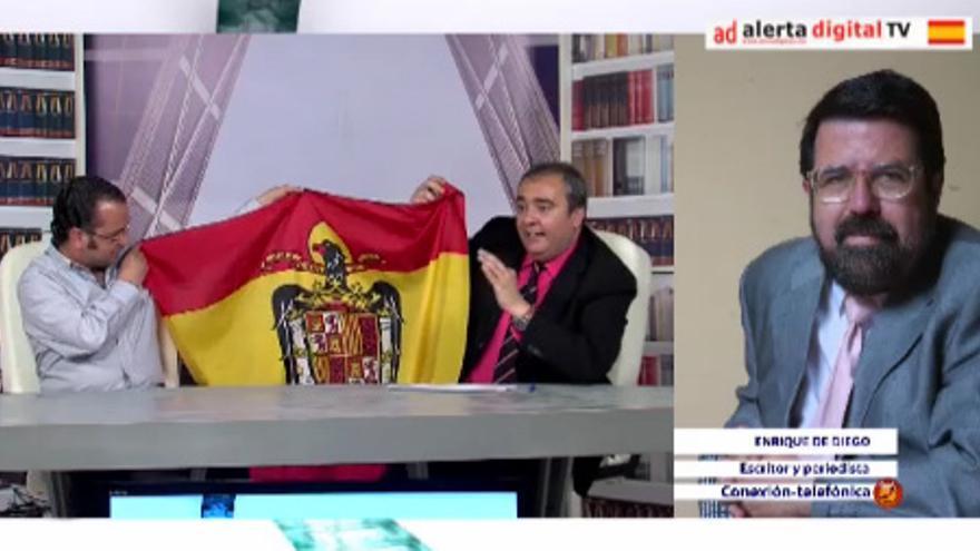 Homenaje a la bandera franquista en el programa 'La Ratonera' de Alerta Digital.