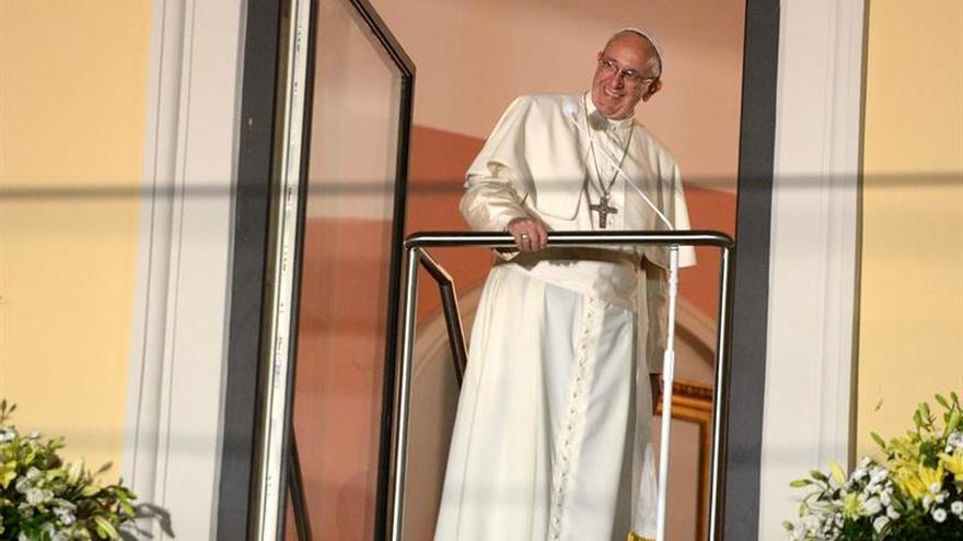 El Papa visitó al cardenal Macharski en el hospital antes de ir a Czestochowa