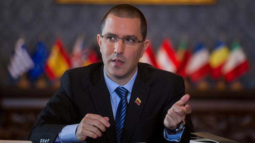 """Venezuela dice que las sanciones de la UE buscan su """"intervención"""""""