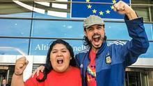 Daniela Merida y Nacho Levy en el Parlamento europeo. (MIKEL OIBAR)