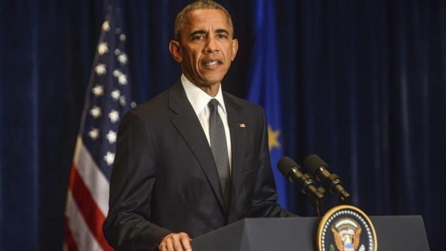 Obama se reúne con policías y sociedad civil para tratar la violencia en EE.UU.
