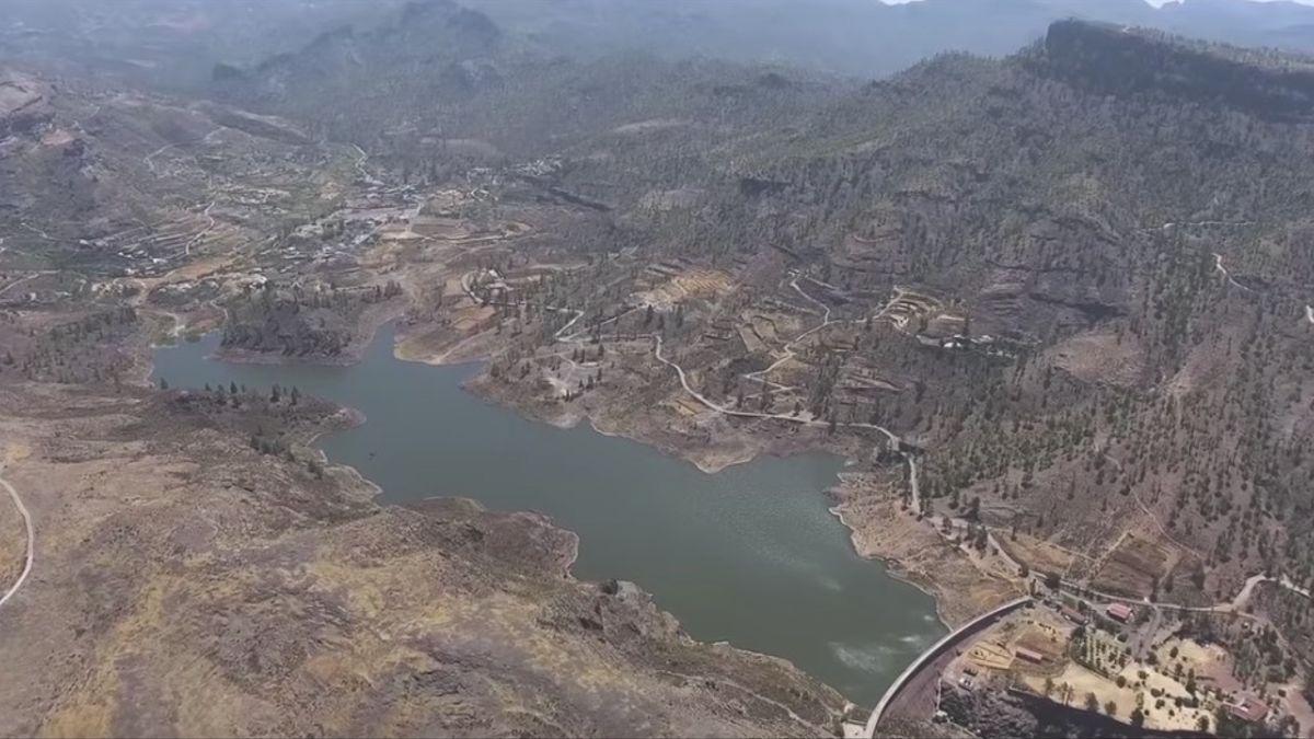 Vista aérea de la presa de Chira