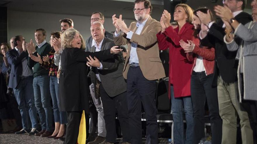 Rajoy pide no boicotear los productos catalanes y anima a las empresas a quedarse