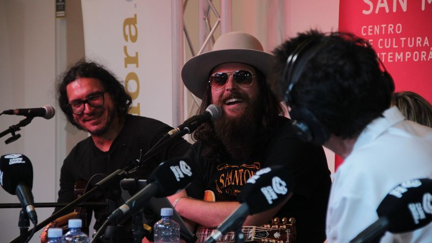 Red Beard grupo musical en Carne Cruda Tour