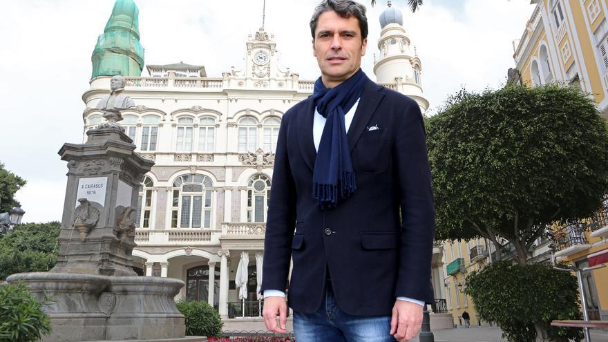 El candidato a la Presidencia del PP Enrique Hernández Bento