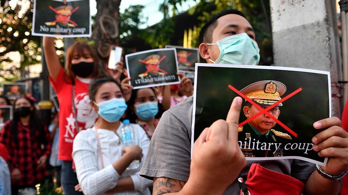 El general Min Aung Hlaing está acusado de genocidio.