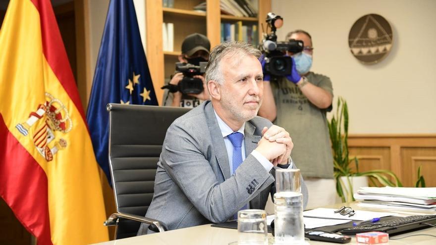 Torres resalta la seguridad del destino Canarias y dice que la ocupación en verano invita a la esperanza para septiembre