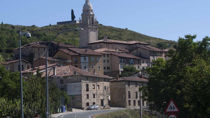 El Condado de Treviño se halla enclavado en pleno corazón de Álava.