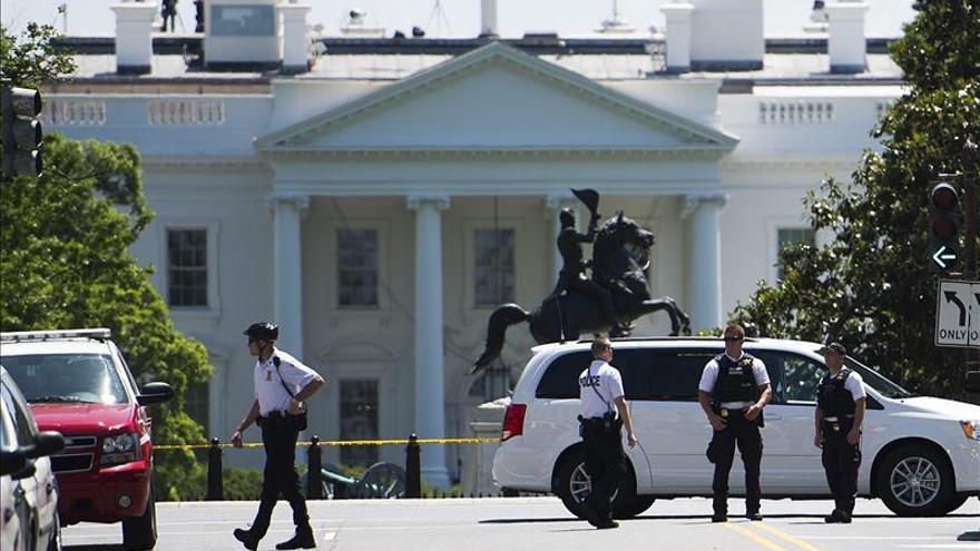Detienen a un hombre que pretendía hacer volar un dron sobre la Casa Blanca