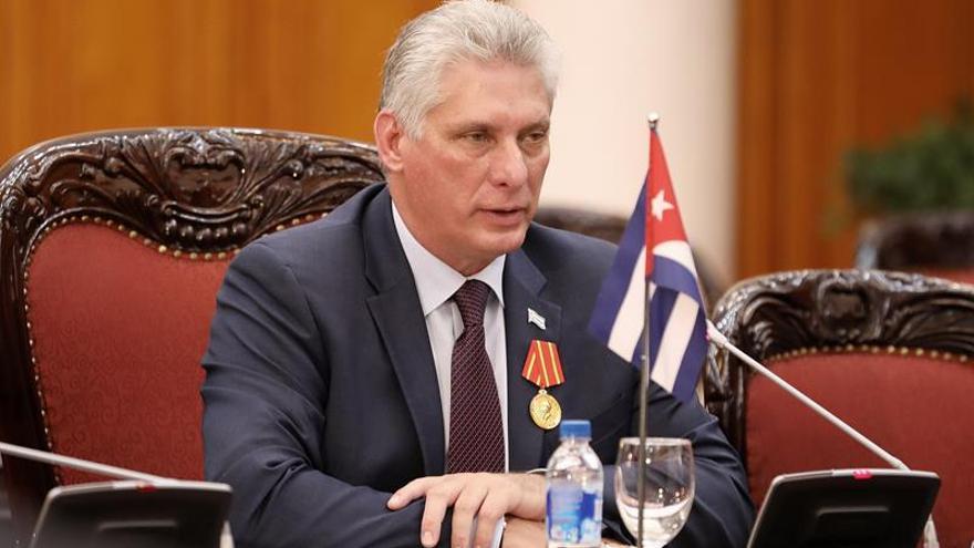 """Díaz-Canel ve """"inadmisible"""" el robo de combustible en Cuba y exige mayor control"""