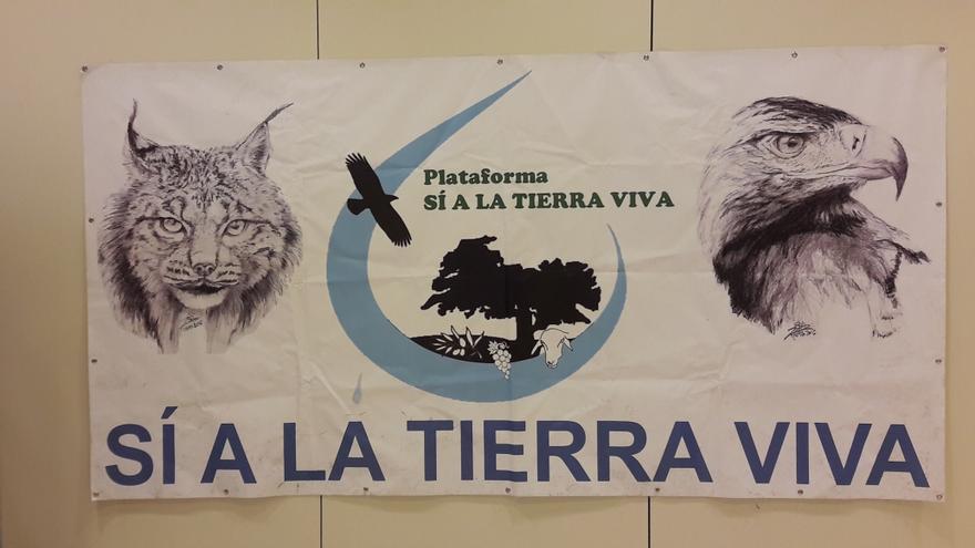 Cartel de la Plataforma Sí a la Tierra Viva