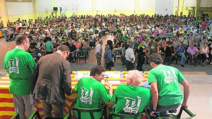 Imagen de una de las asambleas de la plataforma de afectados por el Castor.