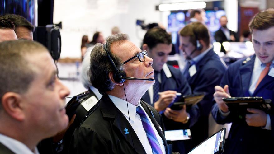 Wall Street abre mixto y el Dow Jones baja un 0,12 % a la espera de la Fed