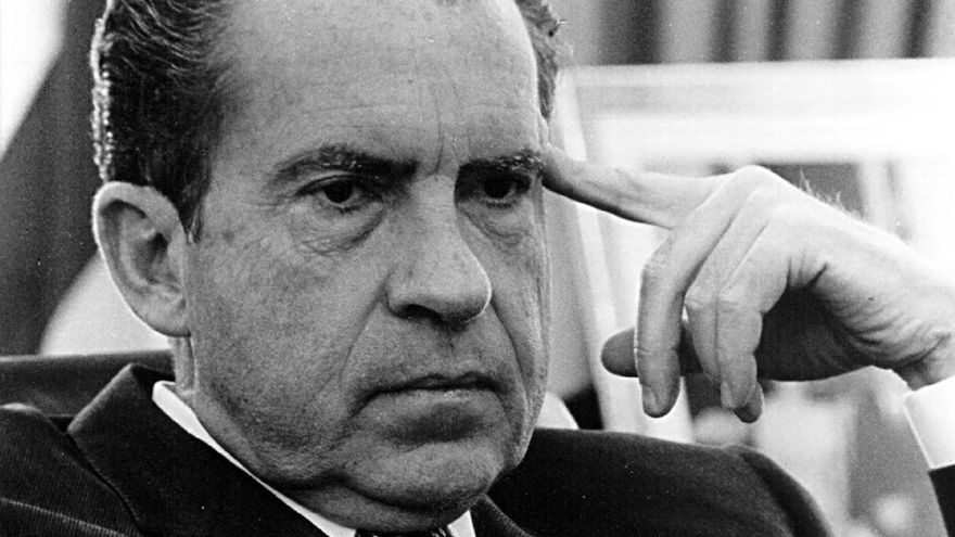 La vida de Richard Nixon es abordada en una de las series recomendadas.