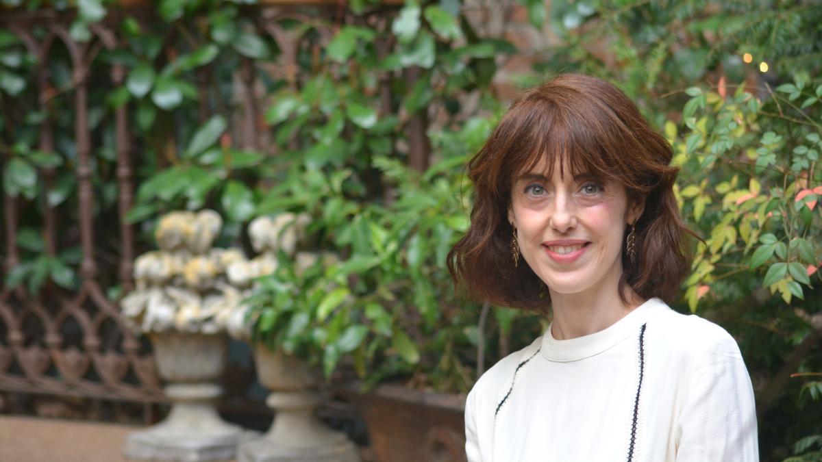 """Irene Vallejo es la autora del ensayo """"El infinito en un junco"""", una investigación monumental sobre el origen de los libros en la Antigüedad"""