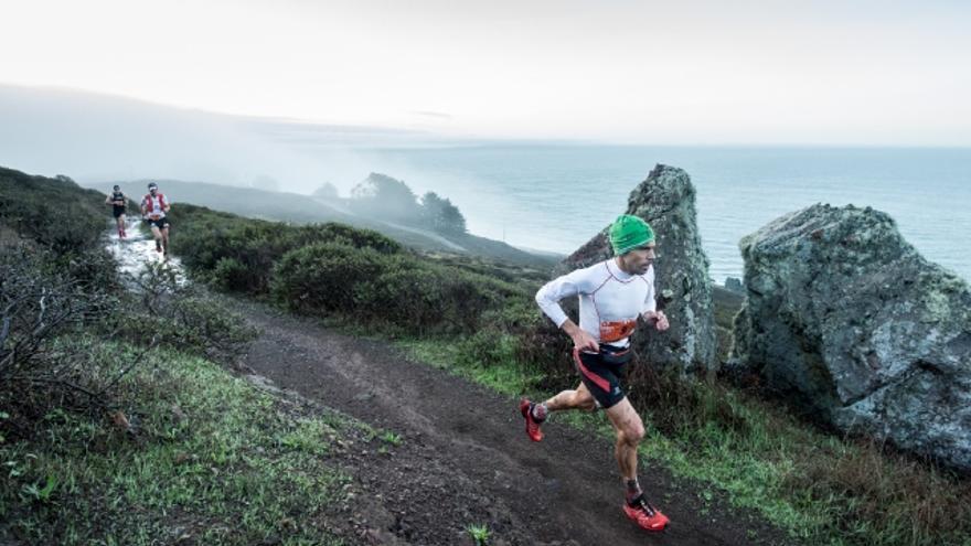 Tòfol Castanyer durante la TNF Endurance Challenge de San Francisco (© DrozPhoto).
