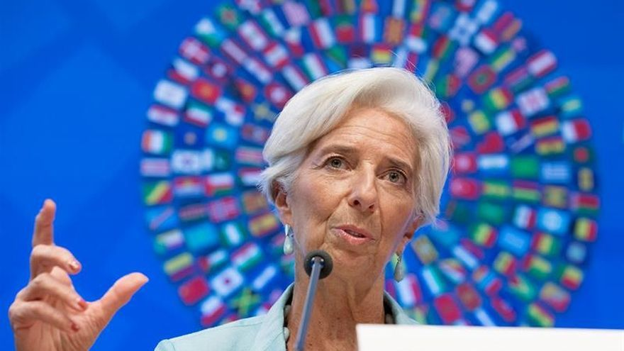 Lagarde en el banquillo acusada de negligencia cuando era ministra de Sarkozy