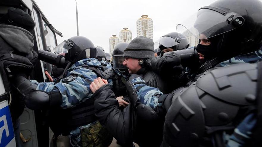Ultranacionalistas suspenden la Marcha Rusa por Moscú tras operación policial