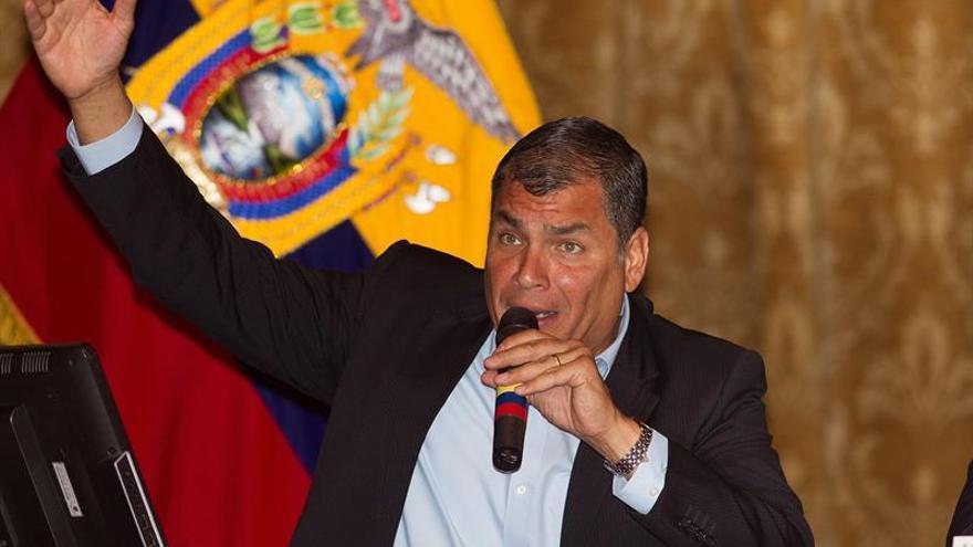 Presidente de Ecuador denuncia la retención ilegal de soldados por indígenas