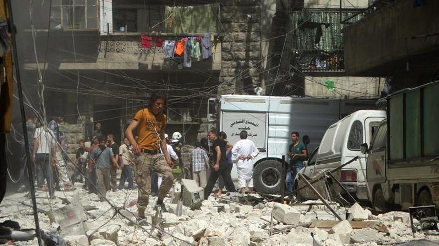 Nueva ofensiva militar de la aviación siria contra el este de Alepo