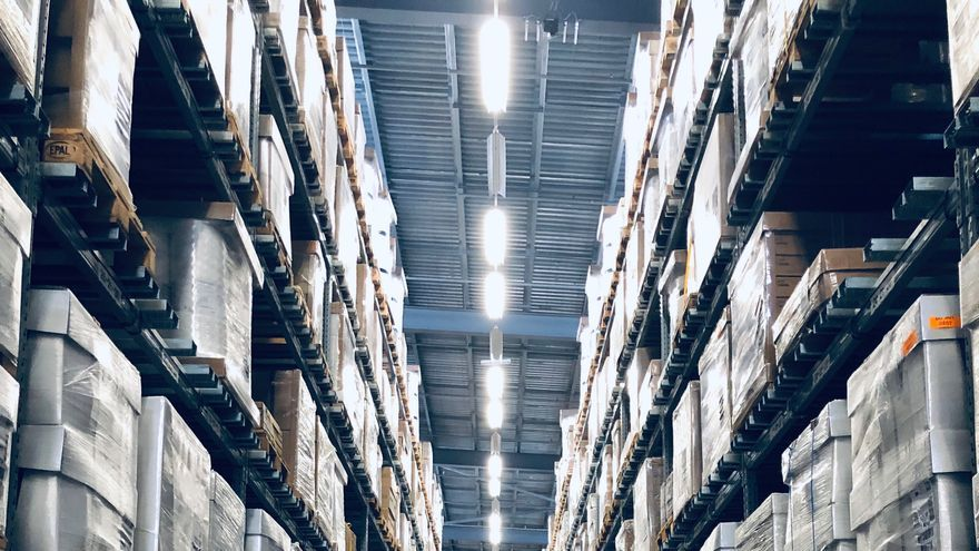 """""""Los trabajadores soportan constantes abusos"""": UGT denuncia irregularidades en las contrataciones de grandes multinacionales logísticas"""