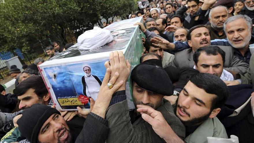 Identifican a uno de los suicidas del ataque contra la Embajada iraní en Beirut