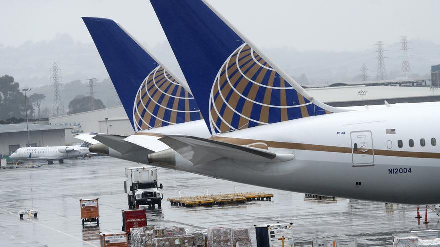 En un comunicado, la empresa con sede en Chicago señaló que durante agosto sus vuelos triplicarán a los que operó durante junio y que supondrán un 40 % de los que llevó a cabo en las mismas fechas del año pasado.